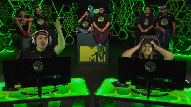 Drezzy e Malena jogam Warface no MTV Legends of Gaming