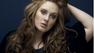 Adele se fantasia de George Michael para celebrar aniversário