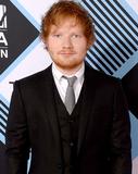 Ed Sheeran explica motivo do atraso de seu novo álbum