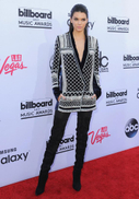 Veja as fotos do tapete vermelho do Billboard Music Awards 2015