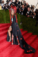 """Rodrigo Santoro, Madonna, Gaga: veja o melhor do """"Met Ball Gala""""em 51 fotos do red carpet"""