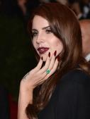 Lana Del Rey é obcecada por uma parte do corpo e você ainda não sabia