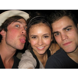 """Você precisa ver essas fotos antigas do elenco de """"The Vampire Diaries"""""""