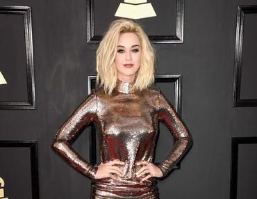 Katy Perry e trechos de músicas novas