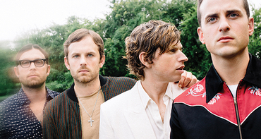 "Kings of Leon lança clipe live de ""Reverend"""