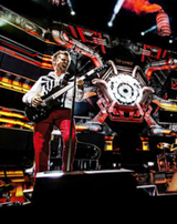 "Assista o behind the scenes de ""Live At Rome Olympic Stadium"" do Muse"