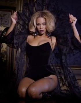 """Beyoncé lança clipe de """"Partition"""""""