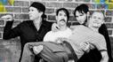 Red Hot Chili Peppers apresenta novo single e divulga data de lançamento de novo álbum
